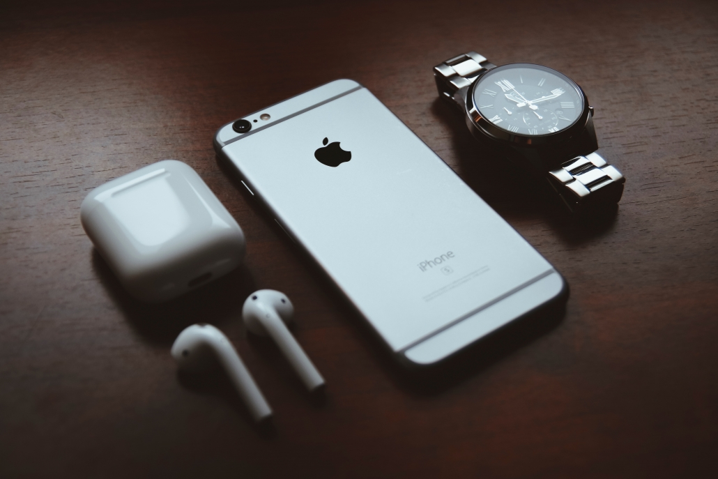iphone con accessori complementari